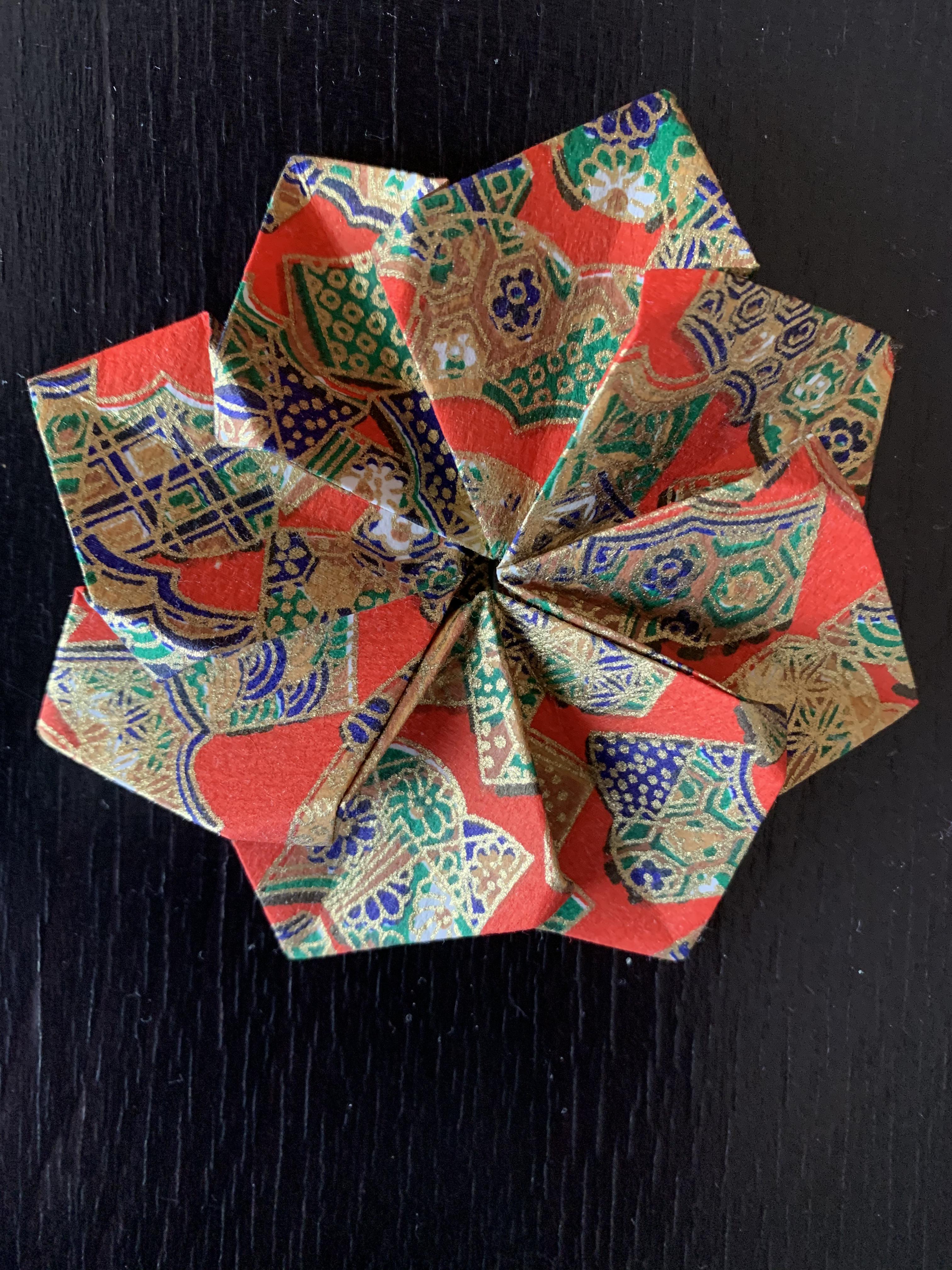 Fleur japonaise plate
