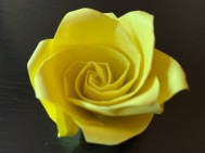 Rose Jaune Origami